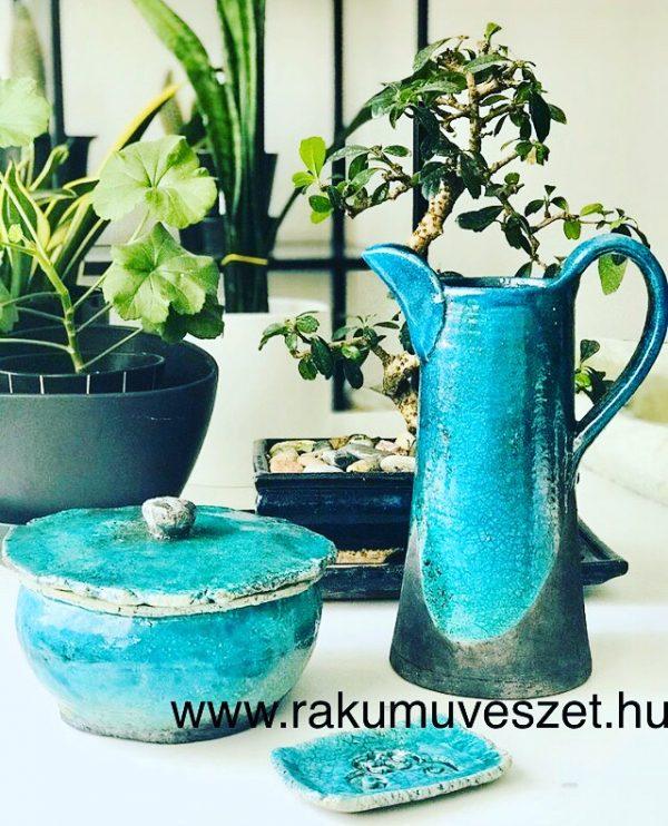 Rusztikus, türkiz raku kerámia kancsó fedeles fürdősó- és szappantartó