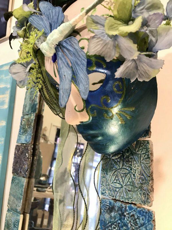 Türkiz álarc , csodás szitakötőkkel a bálba