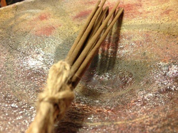 Harililla, lótusz és rózsa keverék füstölőpálcika