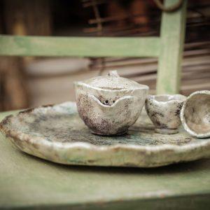 Sencha teáskészlet teatálcán