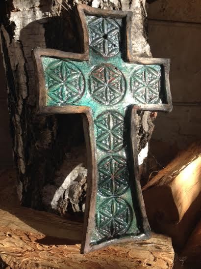 """Raku kerámia kereszt Nagyszombatra, egyben a """"Tűz szentelés napjára"""