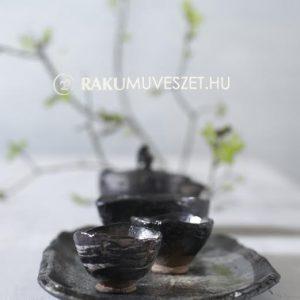 Feketén, fénylőn ...teáskészlet